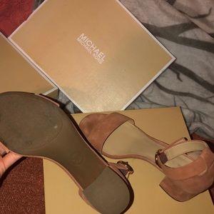 Michael Kors : Suede Burnt Orange heels